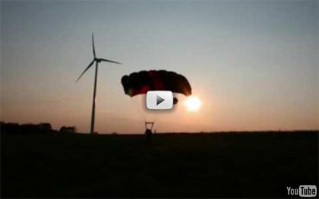 Base jump depuis des éoliennes en province de Luxemobourg à Neuville